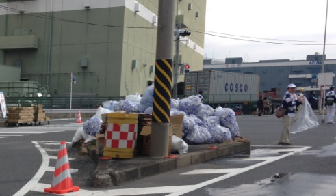 横浜マラソン2015紙コップ