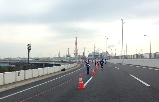 横浜マラソン2015人いない