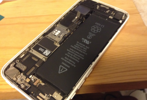 iphone新しいバッテリーを乗せる